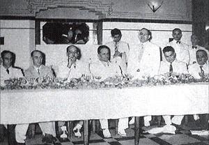 Jantar político no interior do hotel (1939) [Leal, 1998]