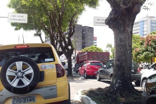 Privatização do espaço livre público e seus efeitos sobre a paisagem urbana<br />Foto Alexandre Castro