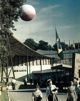 Pavilhão do Brasil na Exposição Internacional de Bruxelas, 1958. Arquiteto Sérgio Bernardes