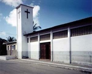 Igreja Católica e Associação dos moradores (vizinho) , marcos referenciais preservados na proposta<br />Foto Marco Antonio Suassuna Lima