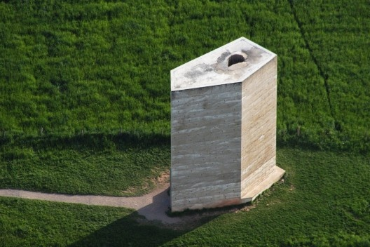 Capela Bruder Klaus, Mechernich, Alemanha, 2007. Arquiteto Peter Zumthor<br />Foto Wolkenkratzer  [Wikimedia Commons]