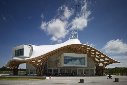 Centre Pompidou-Metz, França, 2010. Arquiteto Shigeru Ban<br />Foto Didier Boy de la Tour