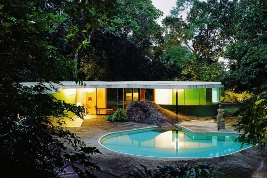 Residência Oscar Niemeyer (Casa de Canoas), Estrada de Canoas, Rio de Janeiro RJ, 1953. Arquiteto Oscar Niemeyer<br />Foto Nelson Kon