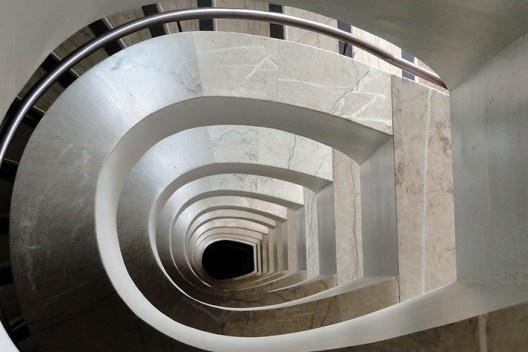 Sede I, escada interna de funcionários<br />Foto Jayme Wesley de Lima