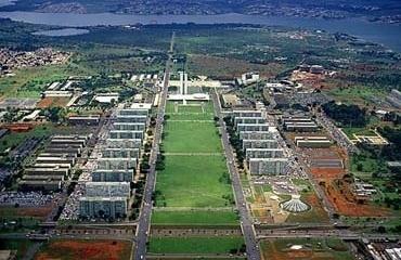 Eixo Monumental de Brasília<br />Foto Nelson Kon