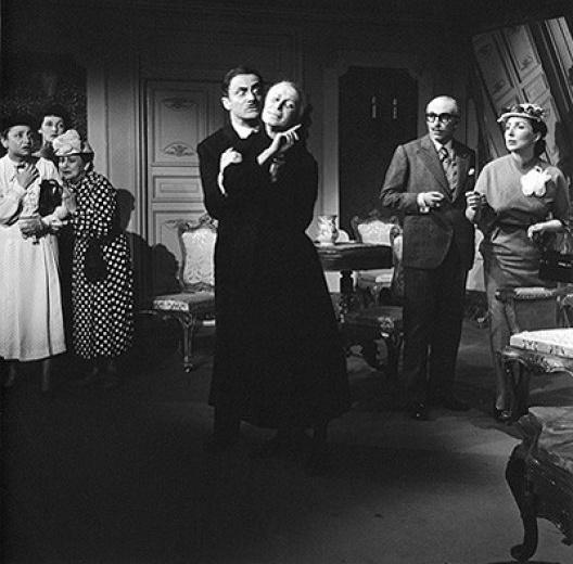 Paulo Autran e Cleide Yáconis, <i>Assim é (se lhe parece)</i> no TBC, 1953. Direção de Adolfo Celi<br />Foto Fredi Kleemann
