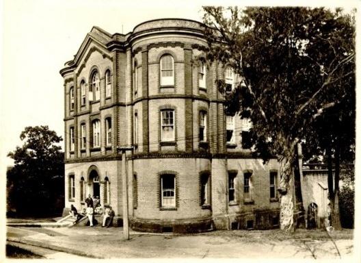 """Edifício Chamberlain, o """"Castelinho"""", primeiro prédio da Faculdade de Arquitetura da Universidade Mackenzie<br />Foto divulgação  [Acervo Centro Histórico e Cultural Mackenzie]"""