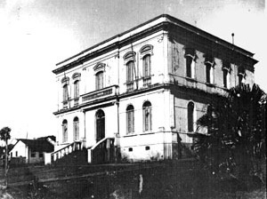 Figura 10 - A Casa de Câmara e Cadeia. Edifício classicizante de finais do século XIX [Arquivo Ivan Claudio Domingues dos Santos]