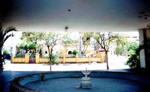 Figura 19 - Paço Municipal. O piso térreo como expansão do passeio público da rua Paissandú [Acervo do autor]