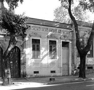 Casa com porão, Beto Felício, 2004