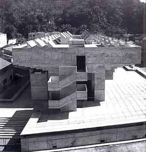 Instituto Municipal de Comércio, Santos, 1967, arquiteto Decio Tozzi.  [Decio Tozzi, D'Auria, 2005, p.18]