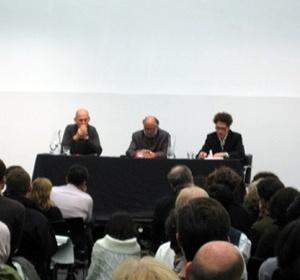 Da esquerda para a direita: Rem Koolhaas, Homi Bhabha e Sanford Kwinter<br />Foto da autora