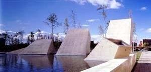 Tanatorio Municipal de León, 1997/2001. Arquitectos Jordi Badia y Josep Val / BAAS Arquitectes