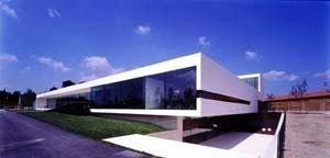 Tanatorio de Terrassa, Barcelona, 2001/2002. Arquitecto Jordi Badia / BAAS Arquitectes