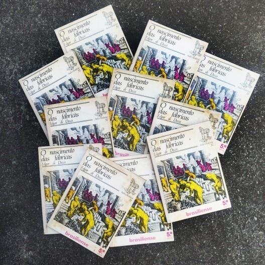 Onze exemplares do livro <i>O nascimento das fábricas</i>, de Edgar De Decca<br />Foto Abilio Guerra