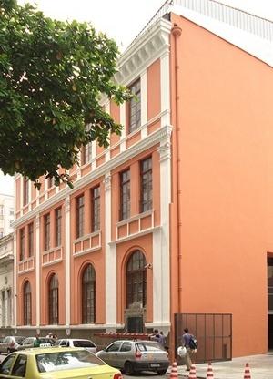 Centro Cultural da Telemar, Rio de Janeiro. Requalificação integrando passado com o presente/futuro<br />Foto Angela Moreira