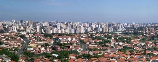 Vista panorâmica de Campinas, Brazil<br />Foto Fasouzafreitas  [Wikimedia Commons]