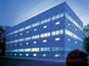 Biblioteca da Escola Técnica de Eberswalde, 1999. Herzog & De Meuron<br />Foto Margherita Splluttini  [Pritzker Prize]