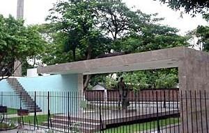 Monumento a José Inácio Peixoto, vista geral, 1956. Arquiteto Francisco Bolonha [Arquivo do Autor]