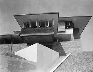 Casa Rio Branco Paranhos, SP, João Batista Vilanova Artigas, 1942-43. Fonte: Vilanova Artigas, Instituto Lina Bo e P.M. Bardi, 1997, p. 41