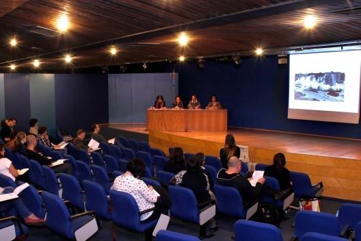 Sessão de Comunicações Ética & Estética, no Auditório Maria Montessori<br />Foto Michelle Schneider