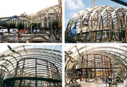 The Bubble. Montagem no canteiro de obras. Arquiteto Bernhard Franken