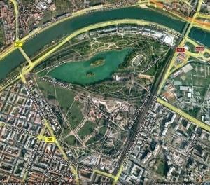 O Parc de la Tête d'Or , localização, principais ruas de entorno e caminhos internos do Parc de la Tête d'Or. Imagem trabalhada pela autora a partir do Google Earth, em 03 de outubro de 2008.