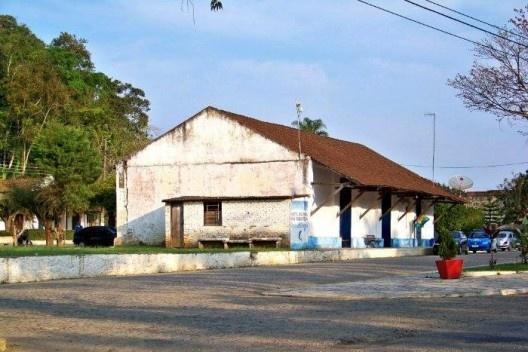 Estação Ferroviária Ipiabas, Barra do Piraí RJ<br />Foto Jorge A. Ferreira Jr.  [Website Wikimapia]