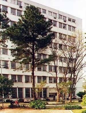 Instituto de Pesquisas Biológicas, 1950. O 8º pavimento foi acrescentado na Década de 1990 sem consulta ao autor<br />Foto Udo Silvio Mohr