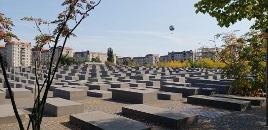 Memorial do Holocausto, Berlim, Alemanha, 2005. Arquiteto Peter Eisenman<br />Foto Adriano Natalin