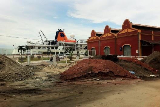Obras na área portuária, centro do Rio de Janeiro<br />Foto Abilio Guerra