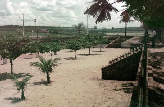 Praia de Iacanga, 1977<br />Foto de Dorival Ferreira de Campos