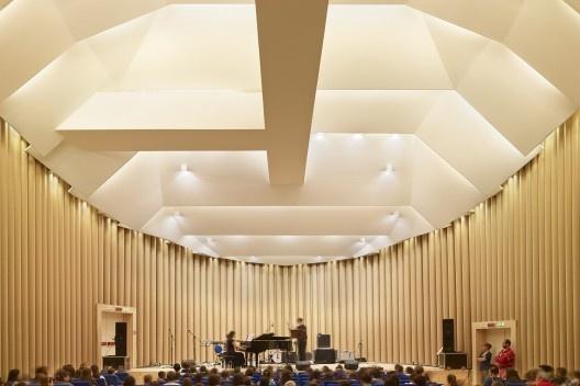 Paper Concert Hall, L'Aquila, Itália, 2011. Arquiteto Shigeru Ban<br />Foto Didier Boy de la Tour