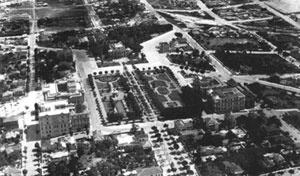 Vista aérea da Praça da Liberdade em 01/11/1934 [Acervo Museu Histórico Abílio Barreto. Prefeitura de Belo Horizonte]