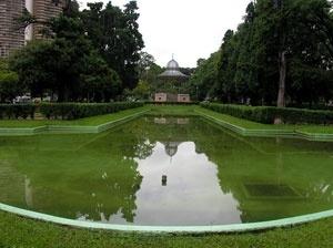 Praça da Liberdade. Espelho d'água e coreto<br />Foto Benedito Tadeu de Oliveira