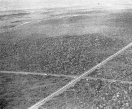 Vista aérea do eixos em construção [Acervo Fundação Oscar Niemeyer]