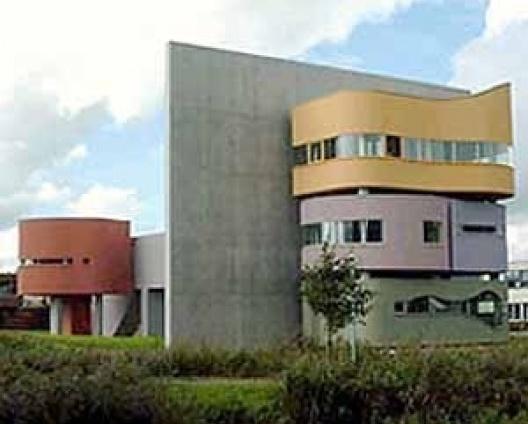 Bye House, construída em Groningen, na Holanda, para onde fora originalmente projetada [www.archined.nl]