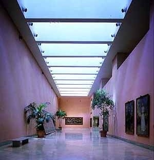Museo Thyssen-Bornemisza, Gran pasillo, arquitecto Rafael Moneo