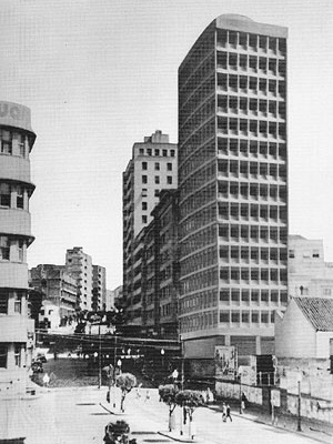 Maquete do Edifício Tracarril (1947) [CZAJKOWSKI, Jorge. Op. cit., p. 115.]