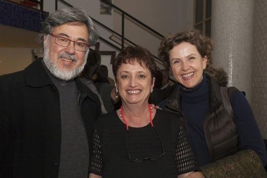"""Rafael Perrone, Helena Ayoub e Claudia Stinco, festa de lançamento do livro """"Abrahão Sanovicz, arquiteto"""", IAB/SP, 22 ago. 2017<br />Foto Fabia Mercadante"""