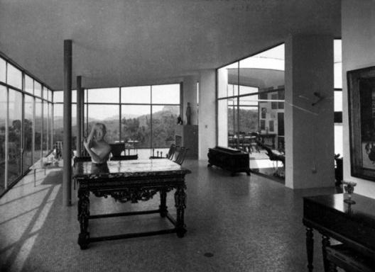 Interior da sala da Casa de Vidro, São Paulo, 1951