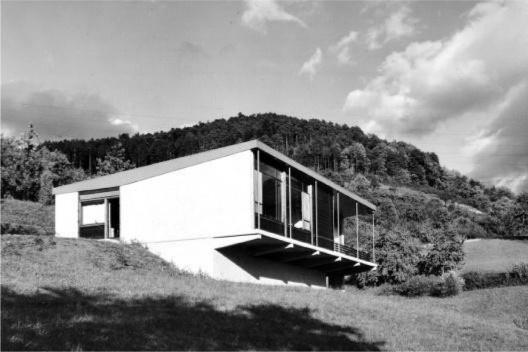 Casa projetada por Hans Broos na Alemanha [DAUFENBACH, 2010]