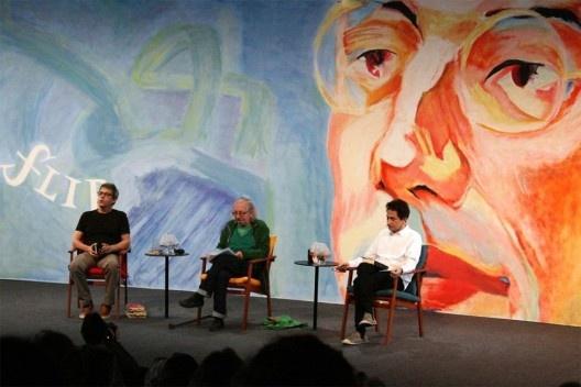 João Bandeira, mediador, Antonio Risério e Eucanaã Ferraz<br />Foto Silvana Romano