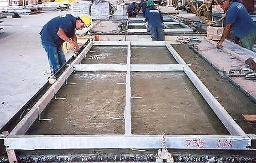 Fixação do bastidor de aço no painel de GRC tipo stud frame na Empresa Verdicon Canoas- RS