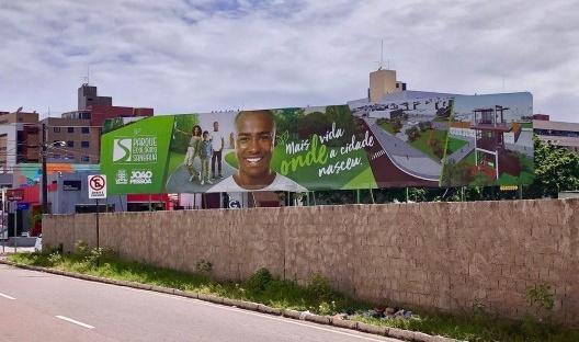 Outdoor veiculando mensagem publicitária da Prefeitura Municipal de João Pessoa a respeito do Parque Ecológico Sanhauá, 2019<br />Foto Pedro Rossi
