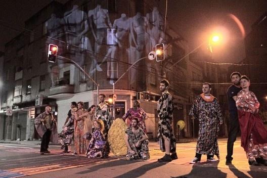 """Espetáculo """"Bom Retiro 958 metros"""", Teatro da Vertigem, São Paulo, 2014<br />Foto Flavio Morbach Portella  [cortesia Teatro da Vertigem]"""
