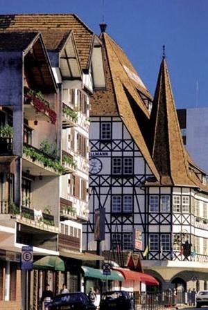 Cidade de Blumenau, em Santa Catarina: Castelinho Malwee [www.wikipedia.com]