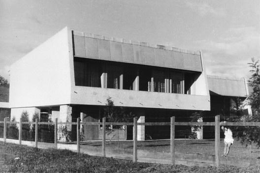 Residência Wittich Paul Hering. Blumenau, 1955 [Arquivo Hans Broos]