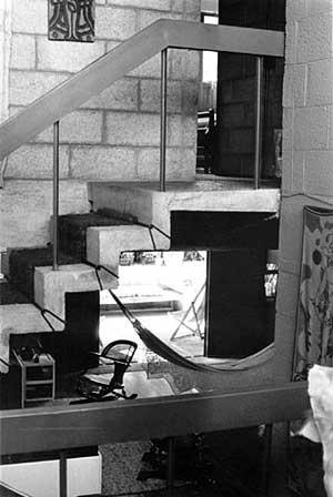 Res. Marietta Vampré, SP,1961 – estar e escada de acesso aos quartos<br />Foto de Félix Alves Araújo  [acervo FAUUSP]