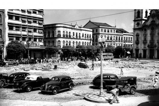 Praça da Independência e edifício Sul América, Recife PE, 1940<br />Foto Benicio Whatley Dias  [Fundaj, ME]